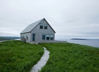 secluded-cottage-on-an-island-in-scandinavian-style-1-554x369