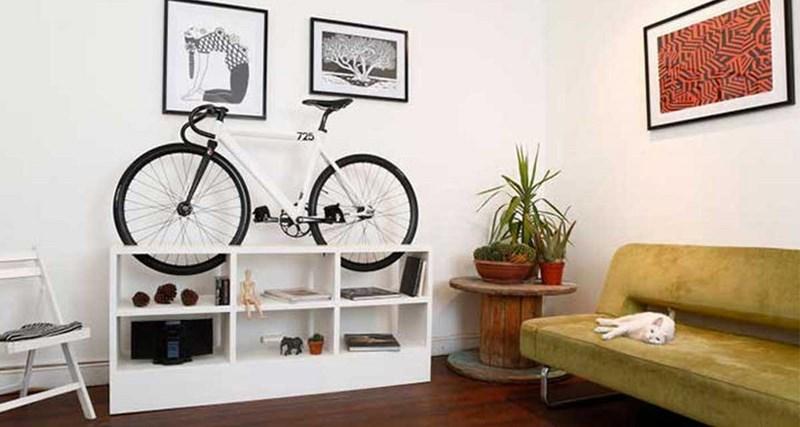 Muebles ideales para guardar la bicicleta en espacios for Muebles para almacenar