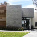 30 fachadas modernas y minimalistas que sin duda destacarían a tu casa de la de tus vecinos 12