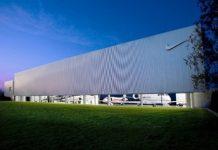 nike-hangar-16-550x354
