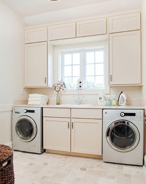 36 ideas para decorar y organizar tu cuarto de lavado for Imagenes de lavaderos de ropa