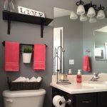 44 ideas para decorar y organizar baños pequeños (22)