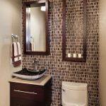 44 ideas para decorar y organizar baños pequeños (27)