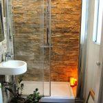 44 ideas para decorar y organizar baños pequeños (3)