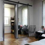 56 Modelos de puertas corredizas ideales para espacios pequeños (5)