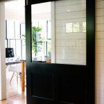 56 Modelos de puertas corredizas ideales para espacios pequeños (9)
