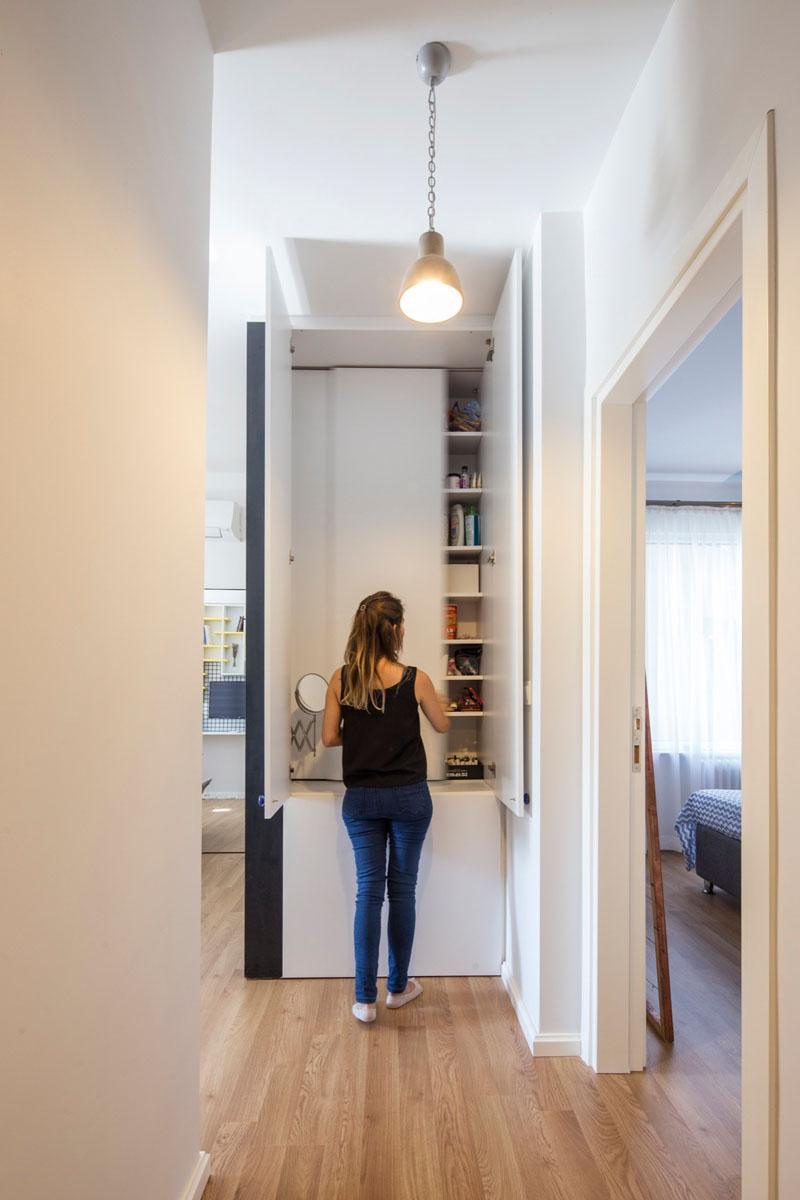 Mini apartamento lleno de ideas creativas de almacenamiento y decoración 01