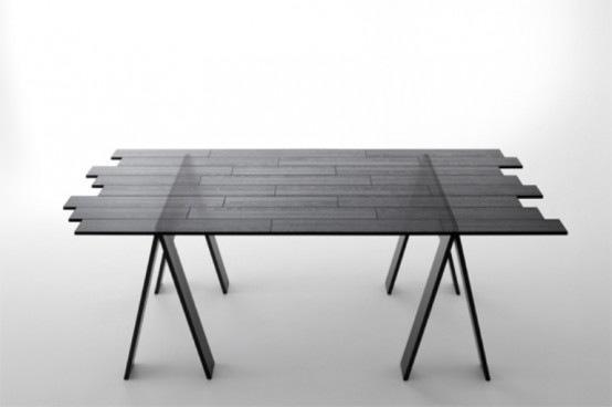 Curiosa mesa de madera transparente