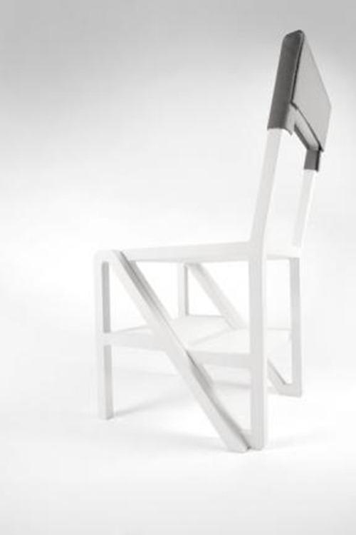 Elda Chair: silla, escalera, estantería o mesita de noche, todo en uno
